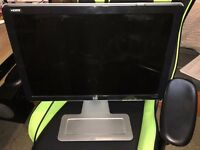 HP w2207h 90 degree rotated screen, all cables included, perfect condition
