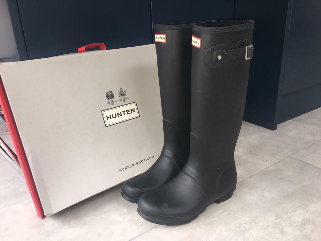 Hunter wellies, original tall, matt black. Size U.K. 8. Excellent condition