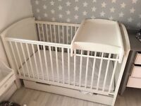 Mamas & Papas Hayworth cot bed, top changer and mattress - White