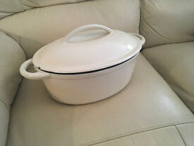 CAST IRON CASSEROLE DISH WITH LID UNUSED