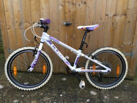 Cube Kid 200 Girls Mountain Bike. 20 Inch Wheels. Great Condition.
