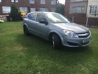 Vauxhall Astra low millig long mot tax price to buy bargin