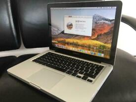 Apple MacBook Pro 13 inch Core i5 2.5 Ghz 16gb Ram 1TB SSD