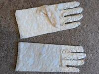 New Ivory lace gloves