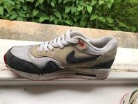Nike Air Max, size 6!