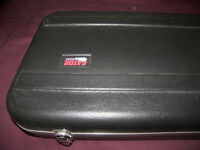 Gator Deluxe Guitar Hard Case for Fender , Squier , Ibanez , Musicman and etc.