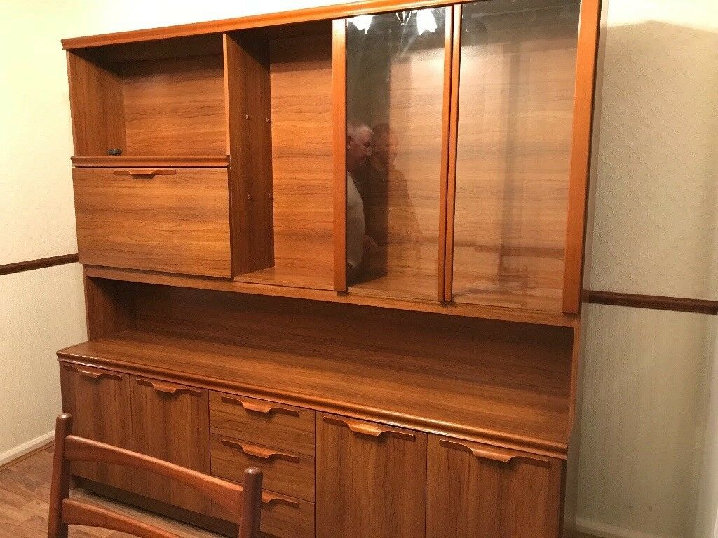 Dining room sideboard, loads of storage space, in good condition