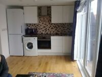 Lovely one bedroom with private balcony +bills