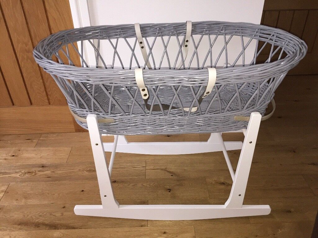 Clair de lune Grey wicker Moses basket, stand and sheets