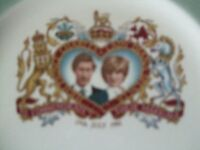 a comenerative charles and diana,,, in very good condition
