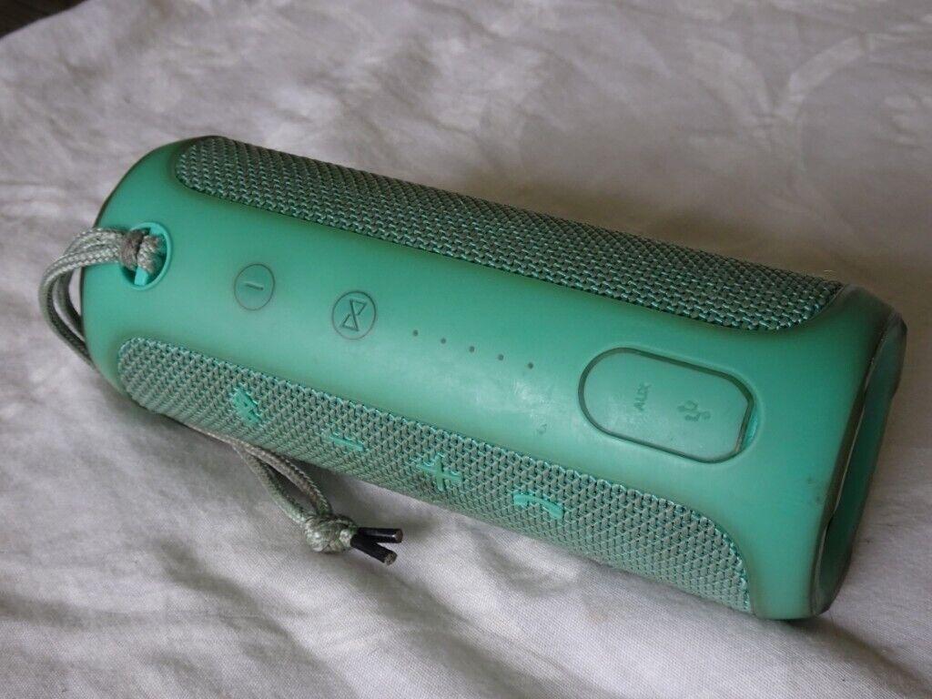 2 x Genuine JBL Flip 3 Portable Bluetooth Speakers - Perfect Working Order  - Will Split   in Norwich, Norfolk   Gumtree