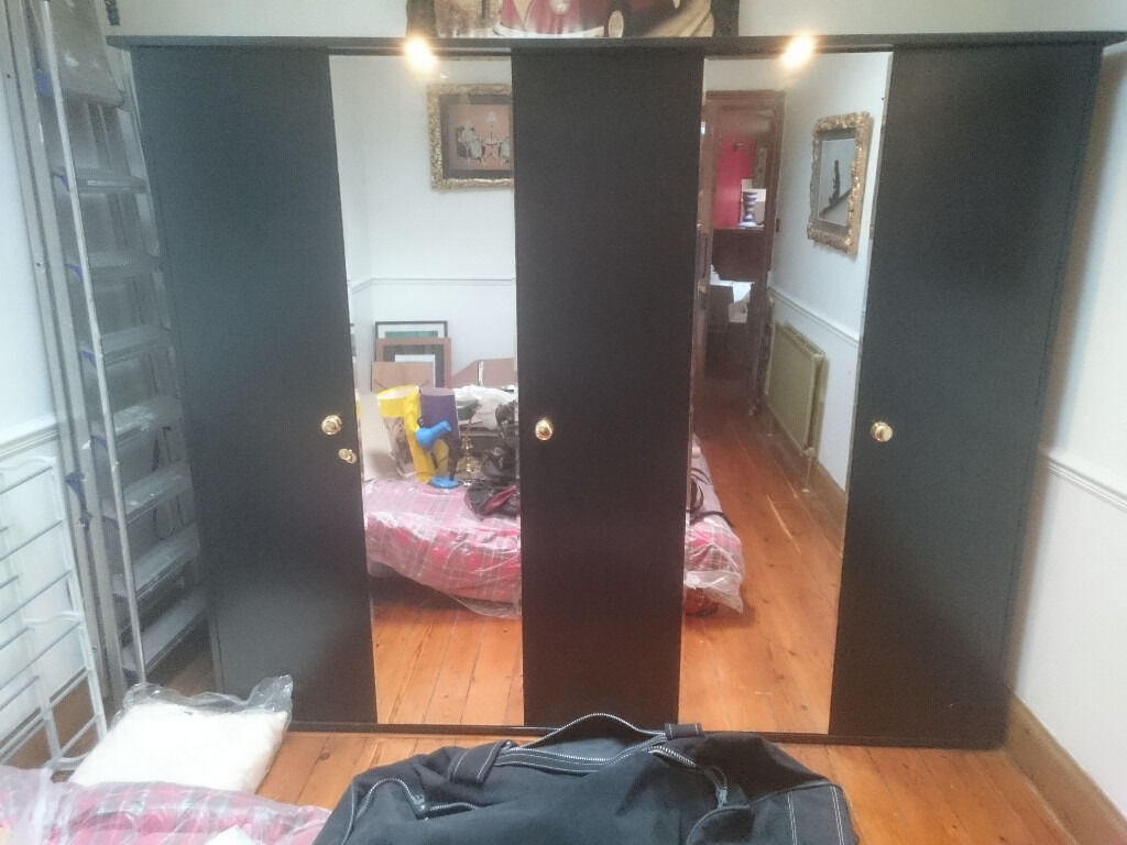 5 Door With Full Length Mirrors And Lights Wardrobe 2 4mt Long