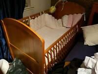 Free cosato cot/bed