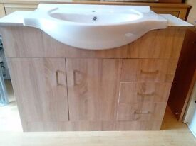 Bathroom vanity unit in light brown wood effect with white ceramic basin
