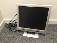 "Daewoo computer monitor 17"" screen"