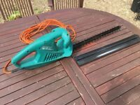 Bosch 21inch electric hedge trimmer - rarely used and in great condition (includes blade cover)