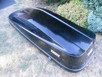 Thule 780 Roof Box Glossy Black