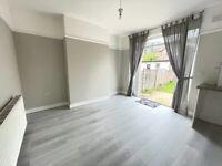Spacious THREE DOUBLE BEDROOM house - Hatch Road, Norbury, London, SW16