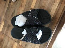 Avon sandals size 4