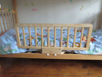 Child bed safety rail / guard