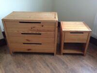 chest of 3 drawers + bedside table drawer - Pine