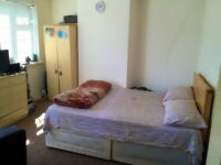 DOUBLE BEDROOM AVAILABLE FOR RENT IN HARROW