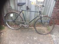 Vintage Triumph Traditional Town Bike 3 Speed ( in need of restoration