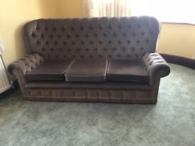 3 piece suite high back chesterfield mint condition