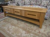 Lovely wooden wide screen tv stand/ coffee table