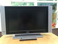 """Philips 26PF5521D - 26"""" Widescreen HD Ready LCD TV - With Freeview"""