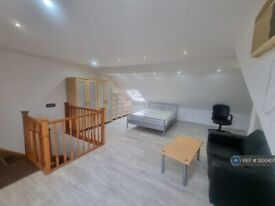 1 bedroom flat in Temple Road, Crickelwood, NW2 (1 bed) (#1200437)