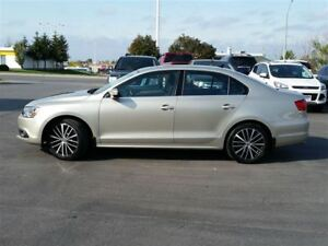 2014 Volkswagen Jetta LEATHER-SUNROOF-NAVIGATION
