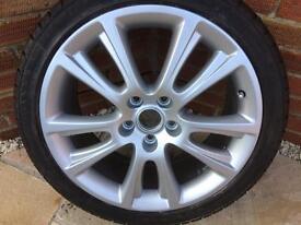 Skoda Octavia vrs zenith alloy wheel with 225/40/18 Avon tyre