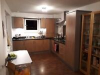 Double room to rent off Easter Road - clean bright modern flat, own bathroom