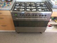 6 ring gas and electric oven