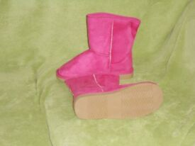 BRAND NEW girls winter boots by Spot On UK size 3