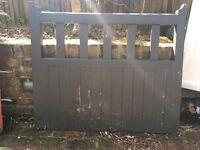 Wooden gate 1050x950