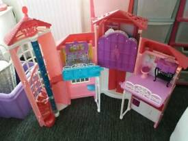 Barbie house £55ono upton