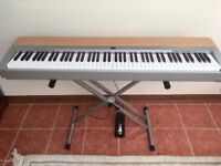 Electric PIANO Yamaha P140S *Excellent Condition + Stand, pedal, music holder, cover