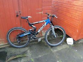 scott mountain bike duel air suspension.good hydraulic disc brakes.good tyres,