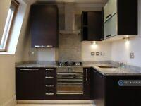 1 bedroom flat in Hornsey Road, London, N19 (1 bed) (#1130639)