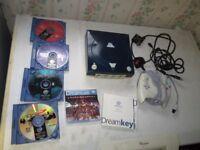 Sega Dreamcast Console bundle 8 games,controller