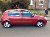 Renault clio 1.2 5 doors 2004