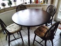 Solid Wood Mahogany Dining table and 4 chairs with seat cushions