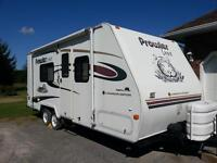 2003 Prowler Lynx Canadian edition 21ft travel trailer