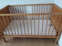 Solid wood cot-bed from 0 to 7yo