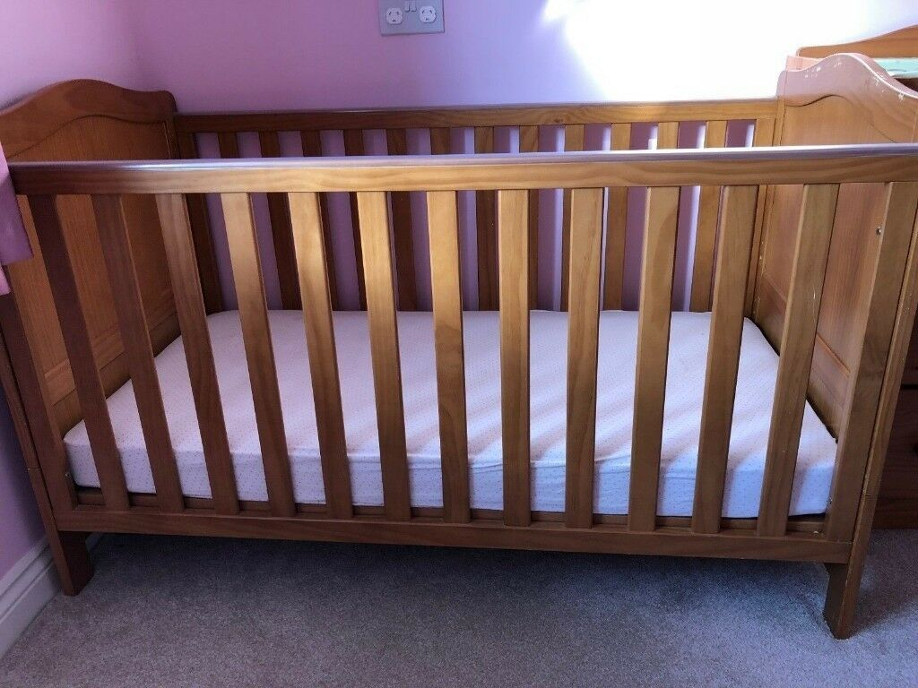 68dbc42cb4b2 mothercare addington pine cot with changing-unit drawer no mattress
