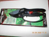 Wilkinson Sword Ratchet Pruner 20mm - new in packaging - Garden