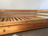 Pine single day bed