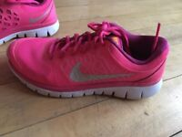 NIKE pink running shoes only £20